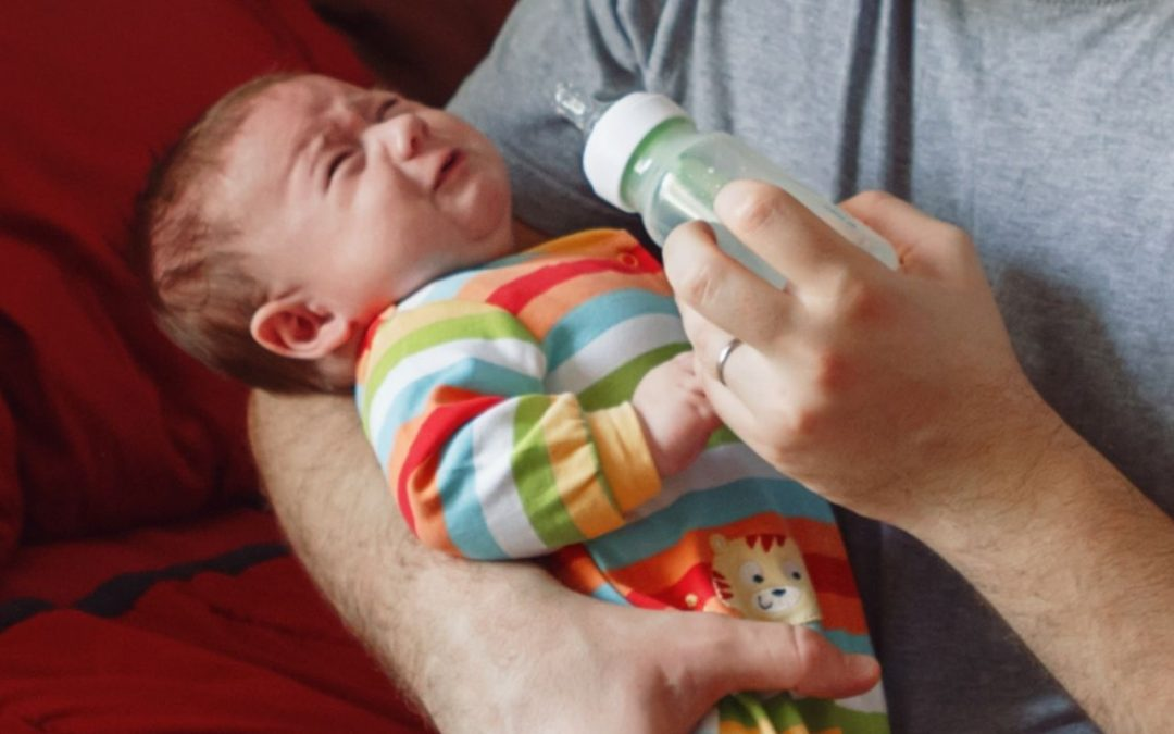 Baby Fussy During Feeding Bottle: Know The Causes and Solutions